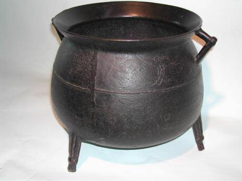 17th Century Bronze Cauldron. English C1670