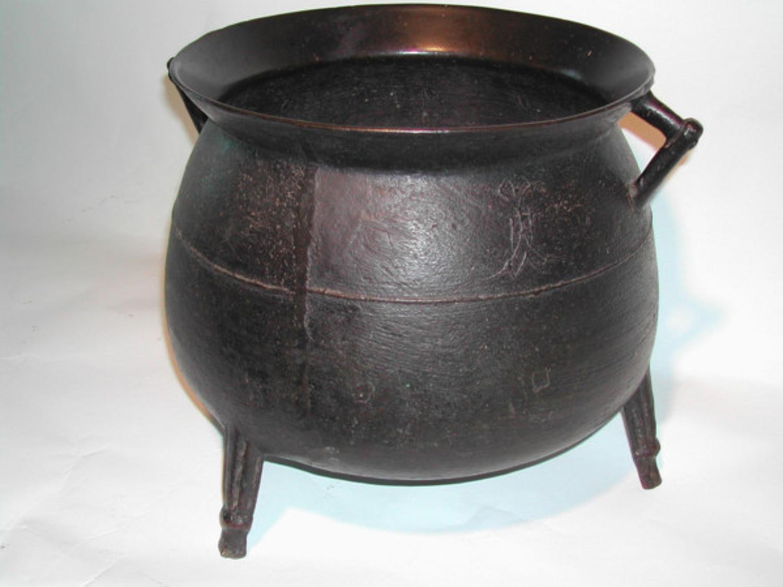 17th Century Bronze Cauldron. English C1670