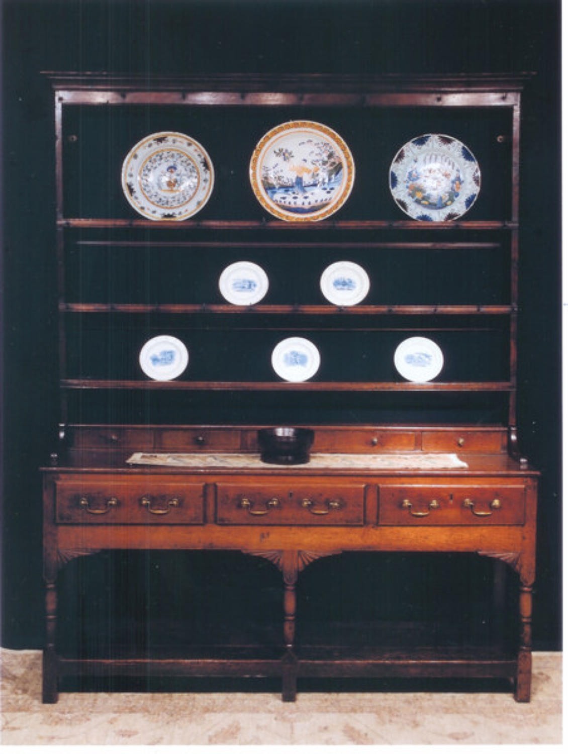 A pretty 18thc Oak Potboard Dresser of delightful small proportions, W