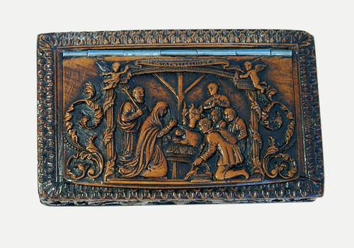 17thc Boxwood Snuff Box carved with