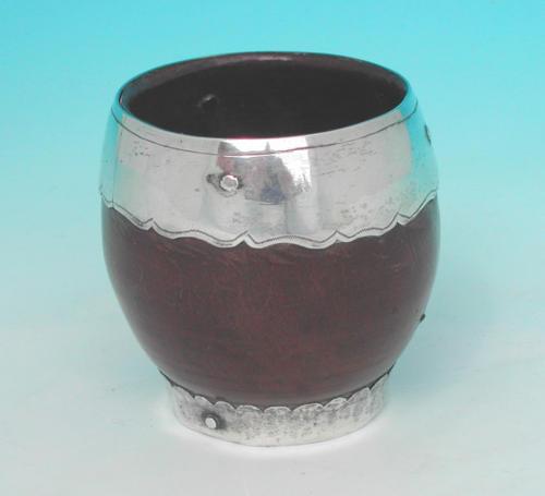 17thc Lignum Vitae Dipper Cup. English C1660 - 80