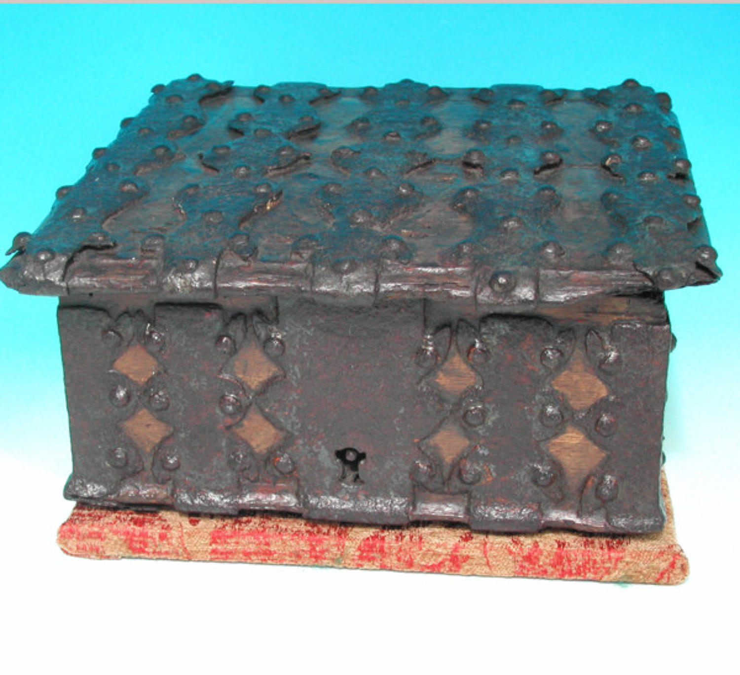 15thc Medieval Strong Box .  English.     C1475 to C1490