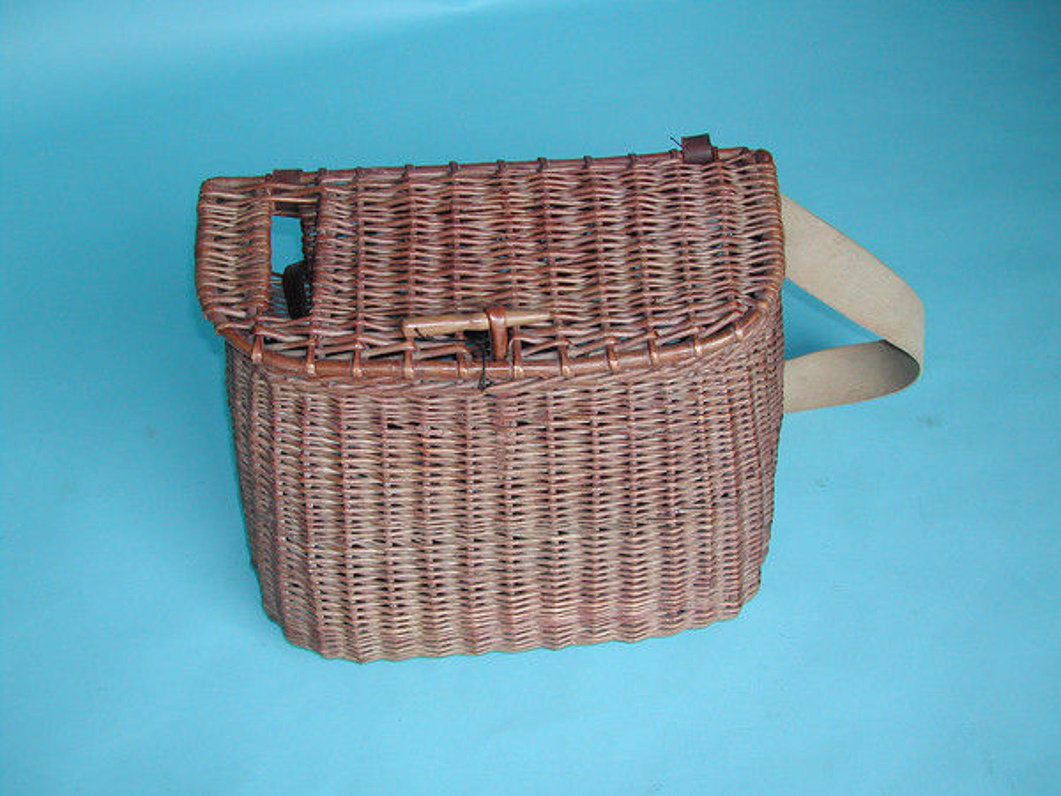 20thc Antique Wicker Fishing Creel .  English. C1900-20