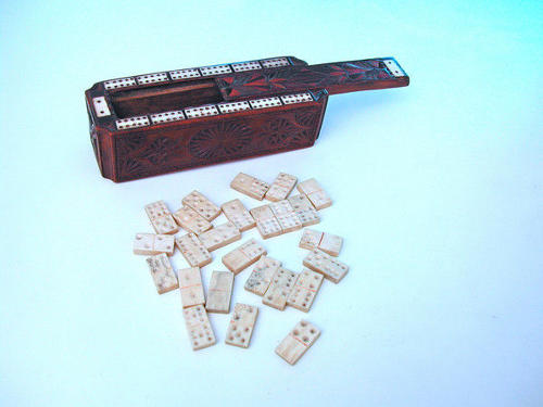 18thc Treen Games Box .  Welsh. C1790-C1800