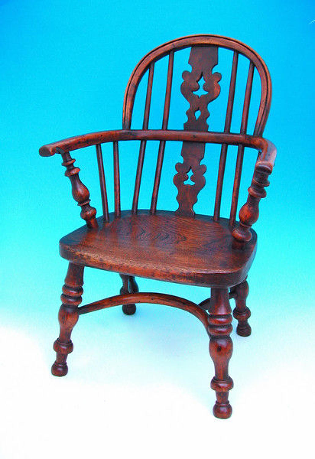 19thc Childs Yew & Elm Windsor Chair . English. C1820-40.