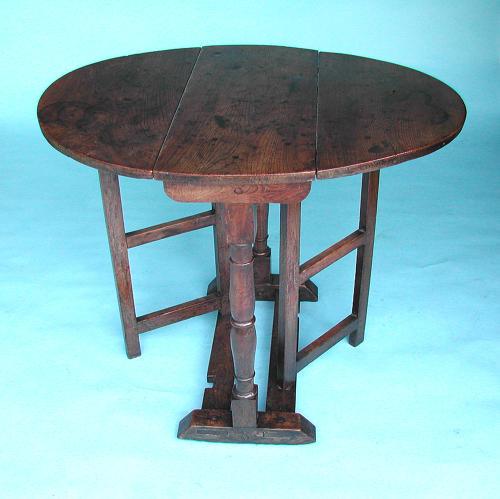 Antique Period 18thc Oak & Elm Gateleg Table. English. C1720-30