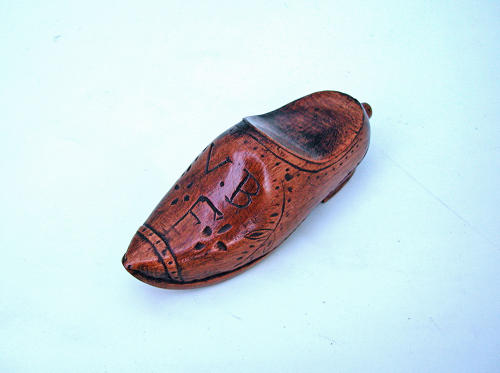 Antique 19thc Treen Continental Clog Snuff Box.  Dutch. C1860-80.