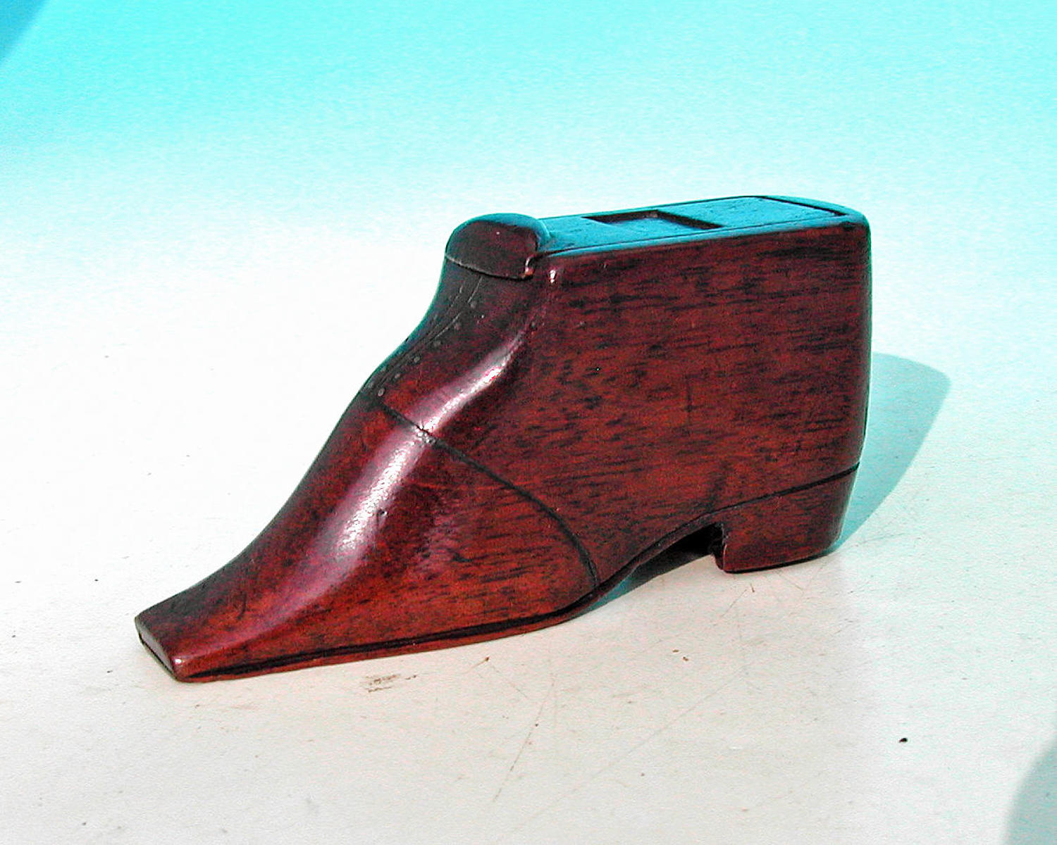 Antique 19thc Treen Mahogany Shaped Shoe Snuff Box.  English. C1840-60