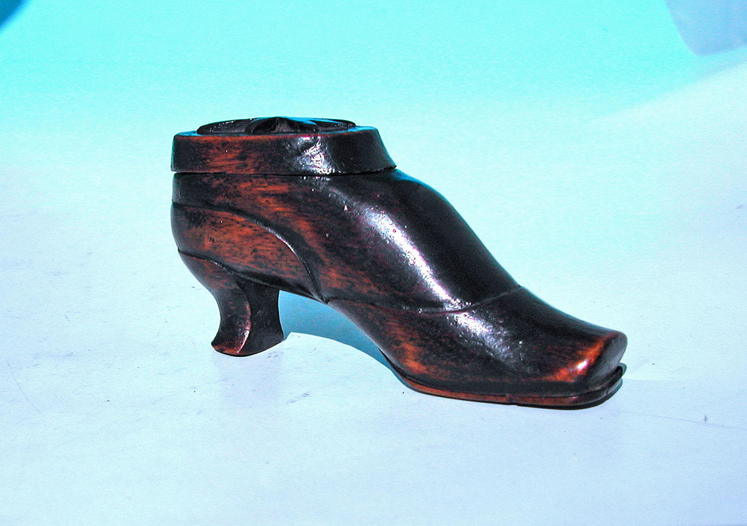 Antique Treen 19thc Decorative Shoe Snuff Box. Continental C1840-60.