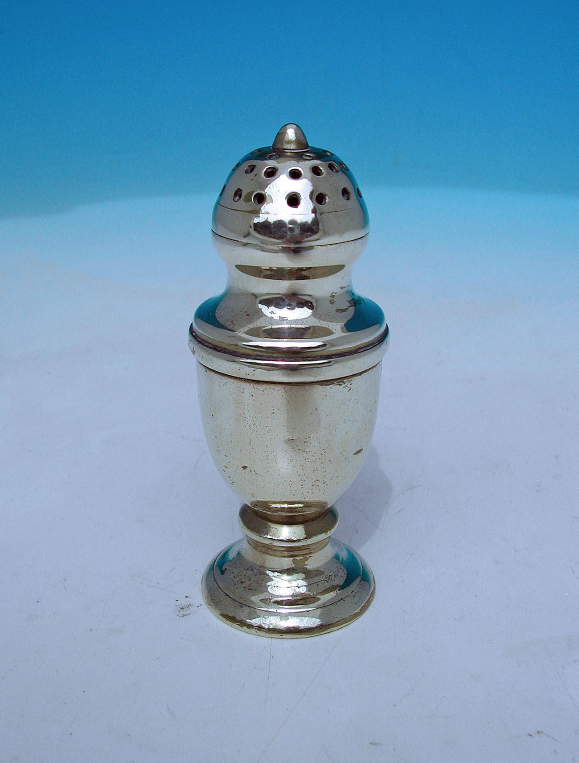 Antique 18thc Brass Small Flour / Sugar Shaker. English. C1770-90.