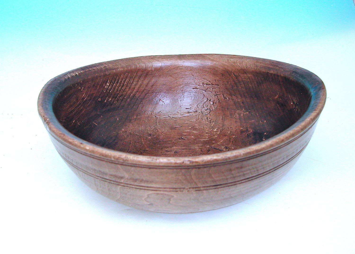 Antique 19thc Treen Turned Sycamore Dairy Bowl.  English. C1840-60.