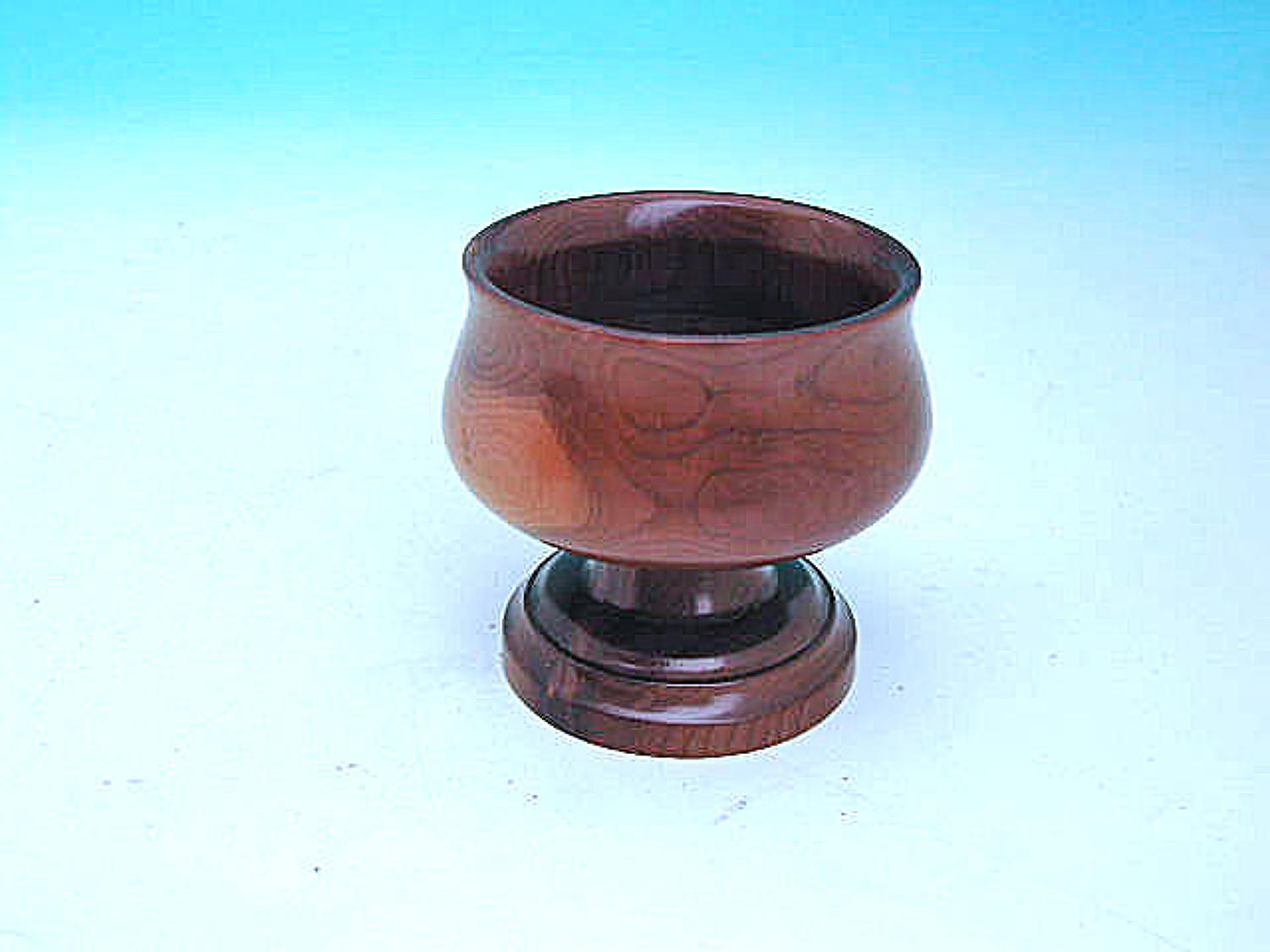 Early 19thc Small Treen Yew Wood Salt.  English. C1820-40