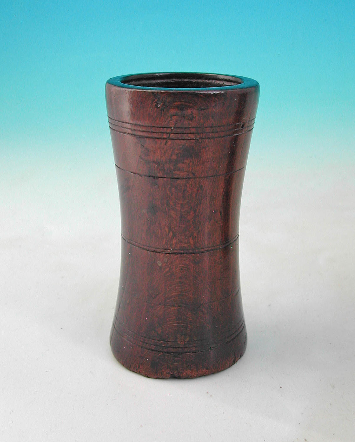 Late 18thc / 19thc Beech Gaming Shaker. English C1780-c1800