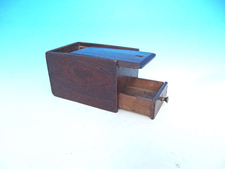 Early 19thc Oak Sewing Box With Cotton Reel Compartments And A Drawer.