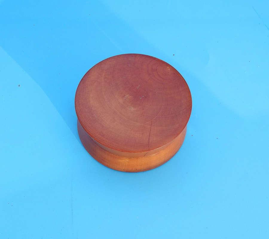 Antique Treen 19thc Boxwood Pill /Snuff Box. C1860-80