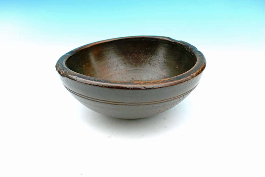 A Superb 19thc Sycamore Treen Turned Soup / Broth Bowl. Welsh C1840-60