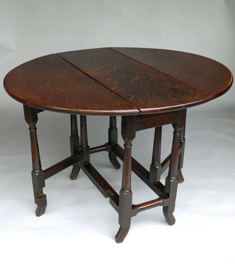 A Superb William & Mary Oak Gateleg Table Of A Small Size . English