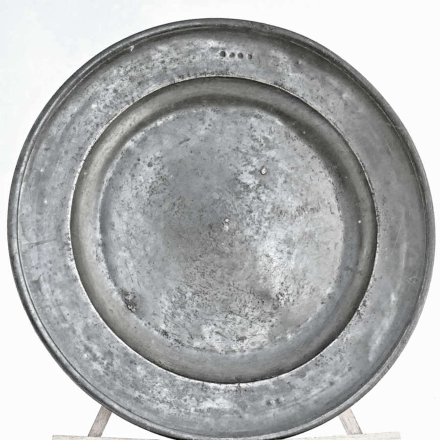 Early 18thc Single Reeded Pewter Charger - Richard Chambers York 1720