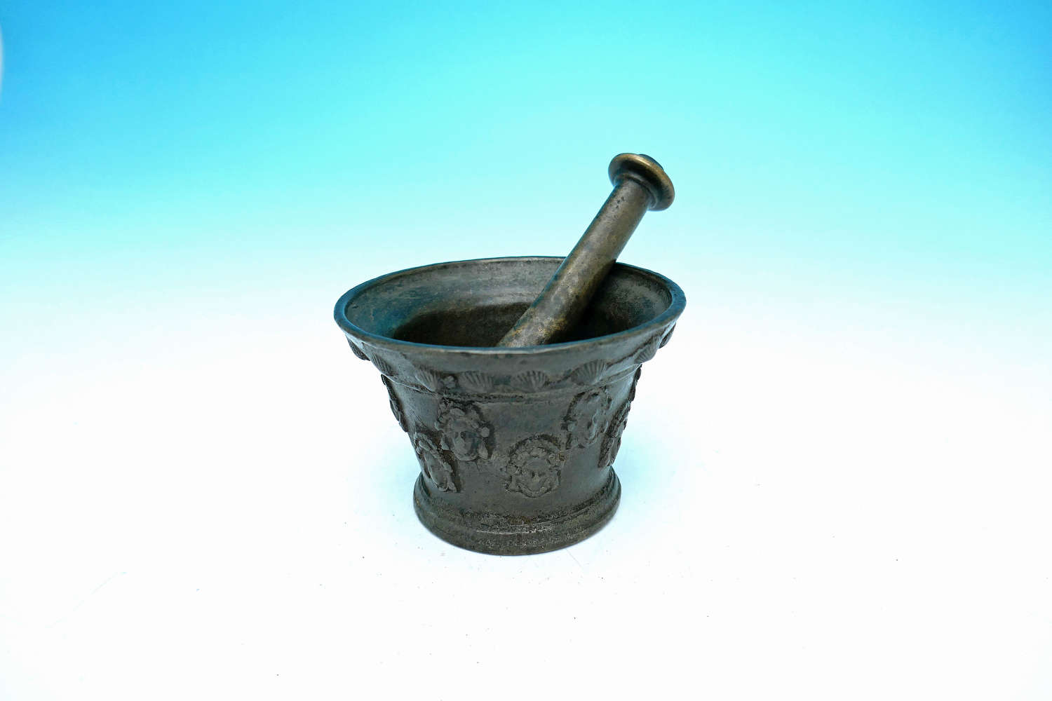 Antique Metalware 16thc / 17thc Small Bronze Pestle & Mortar. French.