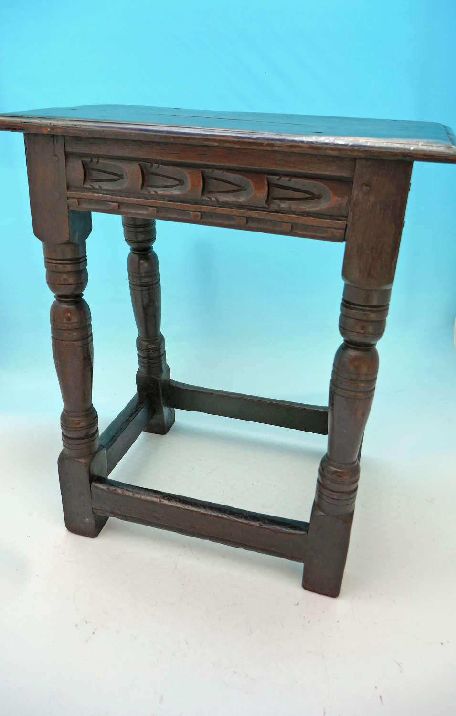 Antique 17thc Oak & Country Furniture Joyned Stool. C1640-50.