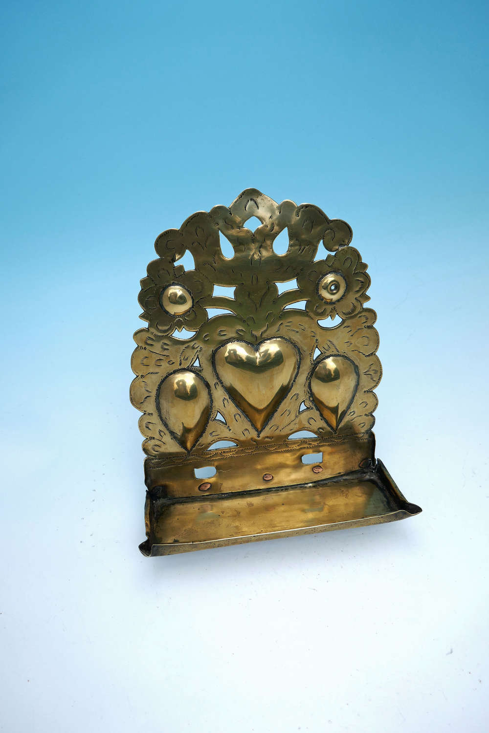 Late 17th / 18thc Early Metalware Brass Decorative Wall Sconce. Dutch.